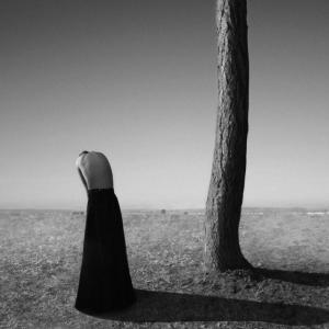 Драматический сюрреализм в автопортретах Ноэль Освальд