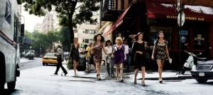 «Вавилонские сказки»: 11 фотографий на городских улицах с удивительными совпадениями