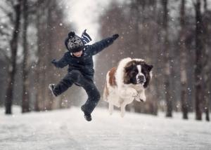 Мы с лучшим другом: фотографии детей и их больших собак