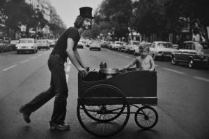 Посетители Лувра и уличные кадры бразильского фотографа Алесио де Андраде