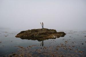 Фотопроект о парне, который упростил свою жизнь: «Ты больше не рыба в аквариуме, ты свободен»