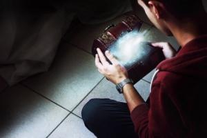 Юный бельгийский фотограф Ян Комач (Ian Komac) и его магические снимки