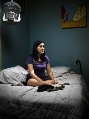 Операторы службы «секс по телефону» раскрывают потаённые фантазии своих клиентов в фотопроекте Фила Толедано