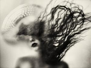 Поэтичные и загадочные образы в фотографиях Аты Пташич