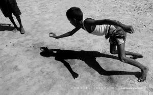 Виртуозная игра с тенью в уличной фотографии